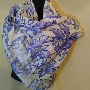 GAP cotton/wool floral scarf-32x80 inches